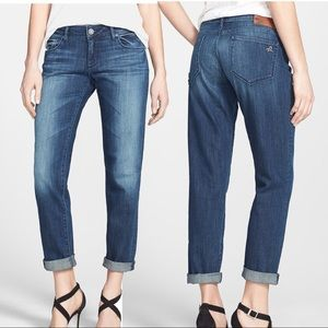 EUC DL 1961 Riley boyfriend jeans in Nassau